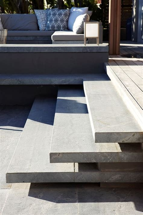 treppen aus beton 25 best ideas about concrete stairs on modern