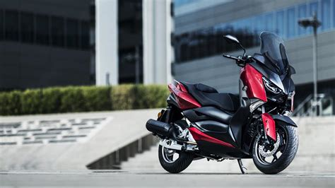 xmax   scooter yamaha motor italia