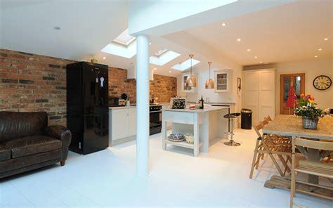 kitchen designers london una cucina in cui si incontrano stile moderno e nordico