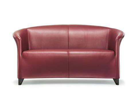 divanetti in pelle divano in pelle a 2 posti auriana divano wittmann