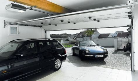 schiebetür für garage garagentorarten im vergleich garagentor vergleich de