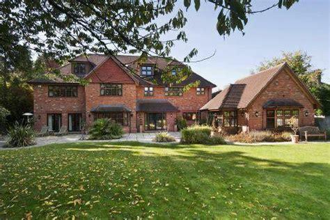 peter house mortgage peter jones net worth salary house car girlfriend family 2017 muzul