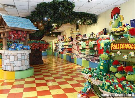 negozio casa il merchandise nei parchi di divertimento l esperienza di