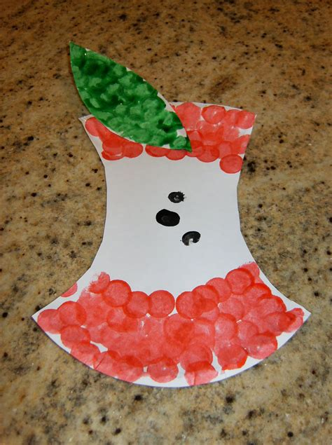 apple craft projects paper plate apple family crafts