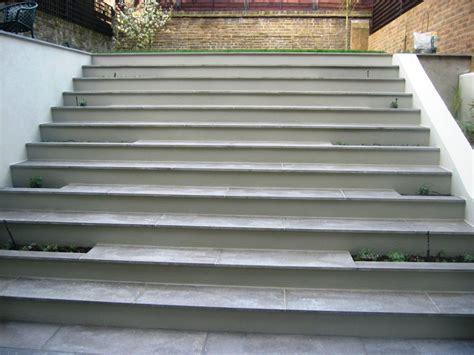 Courtyard Home garden wih limestone steps simon scott landscaping