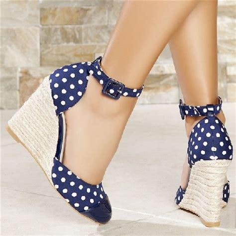 dolgu topuklu ayakkabi yeni moda modeller yeni moda modeller puantiye desenli dolgu topuk yazlık topuklu ayakkabı