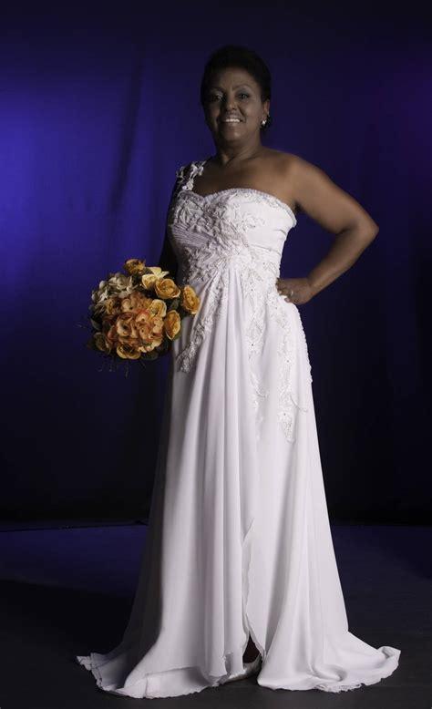 fotos vestidos de novia años 60 estilista cria vestidos para noivas acima de 50 anos