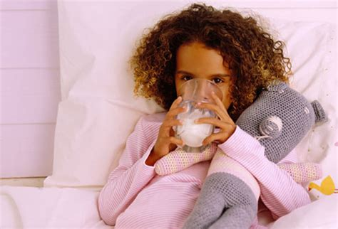 drink milk before bed bedtime slideshow tips to make bedtime routines easier