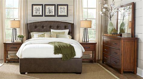Urban Plains Brown 5 Pc King Upholstered Bedroom   King