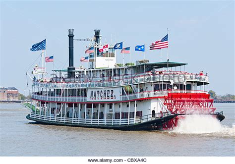 mississippi river boat cruise to new orleans paddle boat mississippi stock photos paddle boat