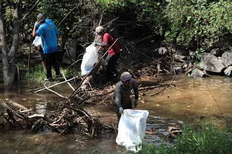 Actually Late Summer Cleaning by Johnson Creek Gets A Late Summer Cleaning East Pdx News