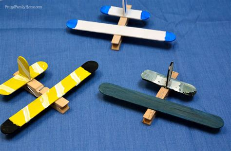 como hacer un avion en whatever floats your boat beat the boredom 25 easy crafts for kids thegoodstuff