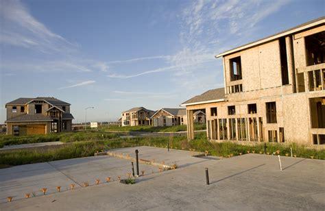 Why Canada Isn T Immune To A U S Style Housing Crash