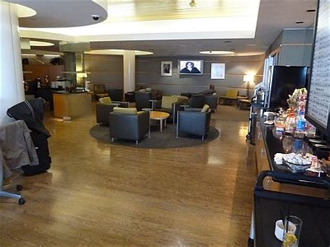 Alaska With Room And Board by Alaska Airlines Reviews Board Room Class Lounges Reviews Opinions With Pictures
