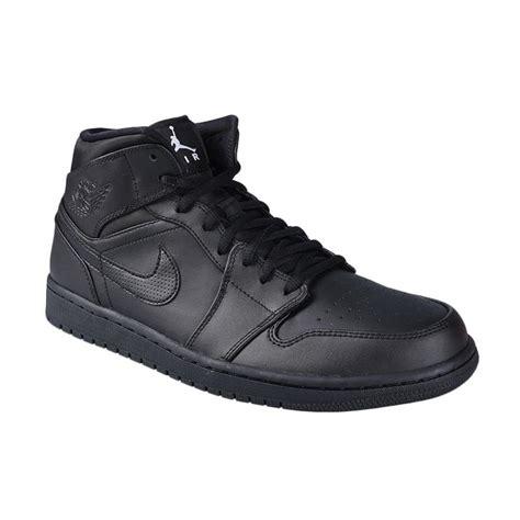 Sepatu Basket Nike Hitam jual nike air 1 mid hitam sepatu basket 554724 034