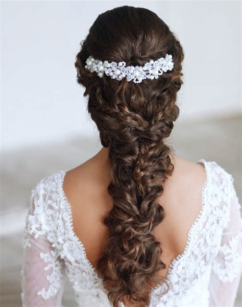 Hairstyle Accessories by 6 Bridal Hairstyle Tips For Your Big Day