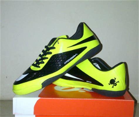 Sepatu Futsal Nike Hypervenom Untuk Cowok 01 hypervenom futsal