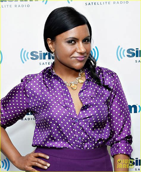 mindy kaling confidence mindy kaling on body confidence i don t want to be skinny