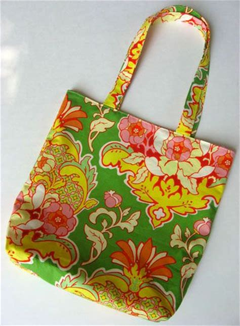 Tote Bag Pattern Skip To My Lou   10 great and relatively simple tote patterns from cindy at