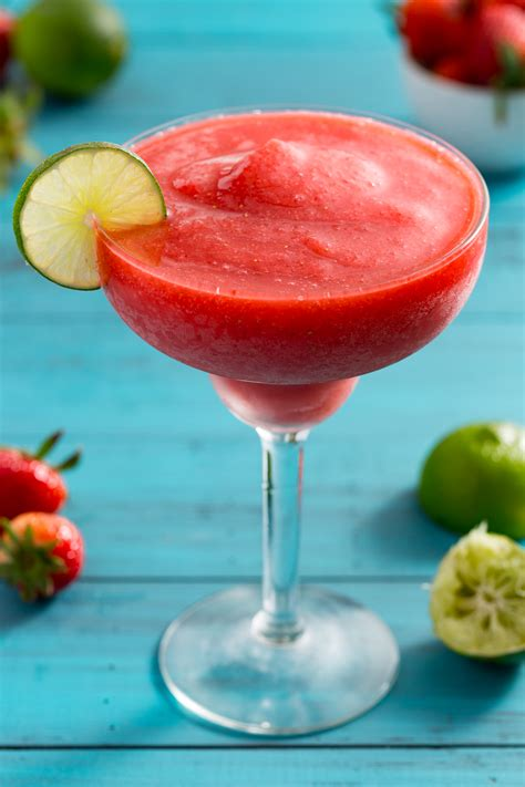 easy frozen strawberry daiquiri recipe how to make a strawberry daiquiri