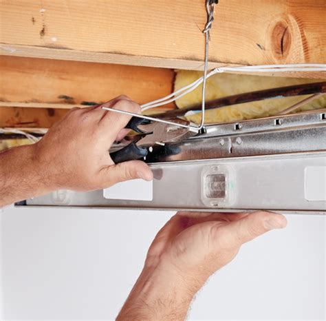 comment installer un plafond suspendu en 233