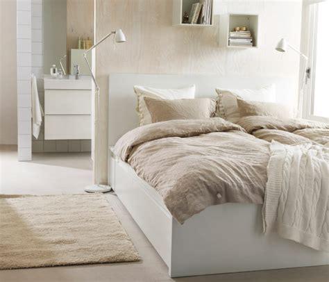 schlafzimmer teppiche ein schlafzimmer mit naturmaterialien u a mit malm