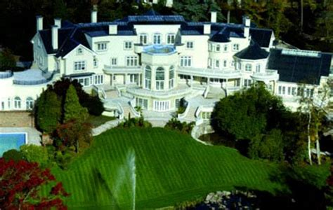 Who Is The Richest Man In The World House