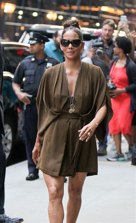 Halle Berry On The Set Of Morning America by Halle Berry Morning America Tv Show In Nyc 08 03 2017