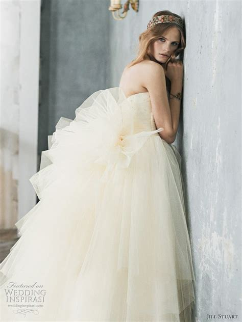 stuart romantic wedding dresses 2010 wedding inspirasi