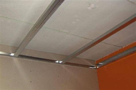 come montare il cartongesso al soffitto montaggio controsoffitti in cartongesso cartongesso