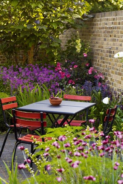 small gardens ideas structural planting purpurea small garden ideas