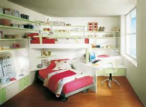 small kids bedroom with bunk bed and red bed color corner