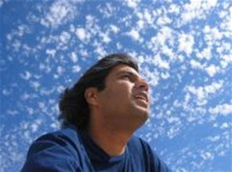 fotos para perfil varon los hombres se retocan m 225 s en las fotos de su perfil en