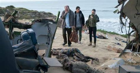 kumpulan film zombie seru film zombie fear the walking dead