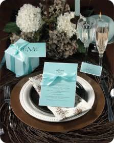 weddings place cards and place settings on