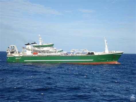 world largest fishing boat kw 174 annelies illena trawler photos gallery