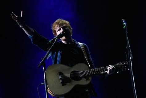 ed sheeran cent ed sheeran delivers an a solo show at the acc the star