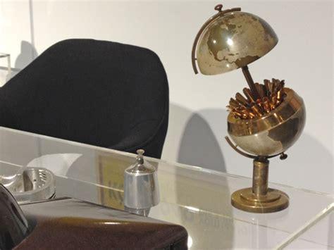 cool desk accessories for guys 29 innovative desk decor for men yvotube com