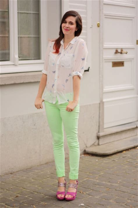 what goes with lime green what to wear with light green pants pi pants