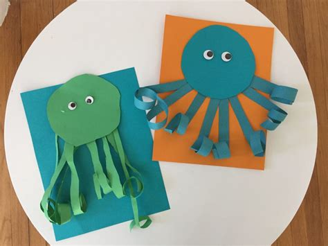Paper Octopus Craft - easy summer craft for curly paper octopus the