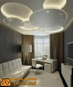 faux plafond en pl 226 tre pour une salon tr 232 s moderne platre