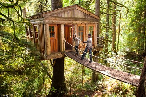 treehouse in seattle ten unconventional honeymoons you ve likely never