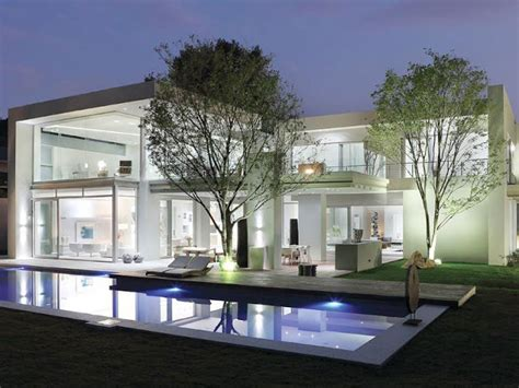 paradise  hyde park luxurious contemporary mansion