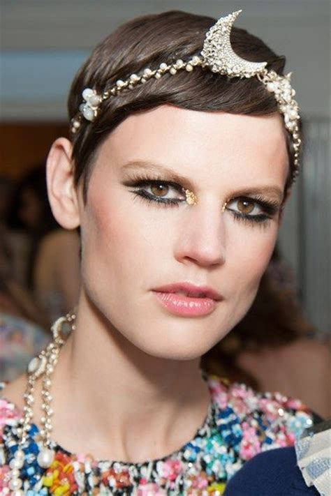Chanel Lipstick Dubai chanel resort 2015 headband makeup resort 2015 chanel resort and chanel