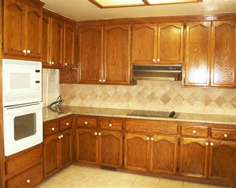 quartz countertops oak cabinets and on pinterest idolza mejores 27 im 225 genes de salpicadero cocina en pinterest