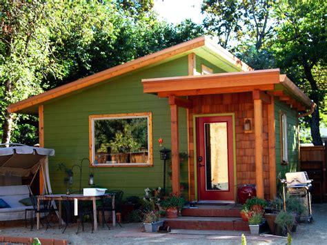 Modern Style House Plan   1 Beds 1.00 Baths 320 Sq/Ft Plan