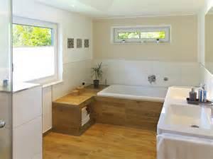 badewanne holzoptik badezimmer fliesen schwarze