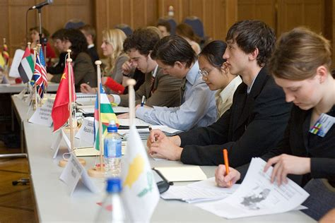 mun model united nations model united nations wikipedia