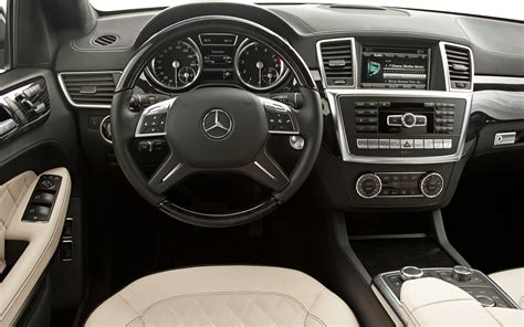 Mercedes Suv Interior Photos 2013 mercedes gl test photo gallery motor trend