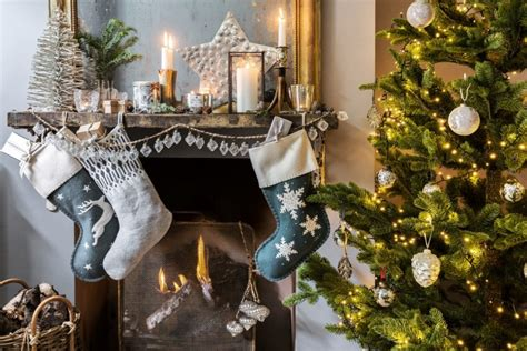how to decorate your first home how to decorate your first home for christmas